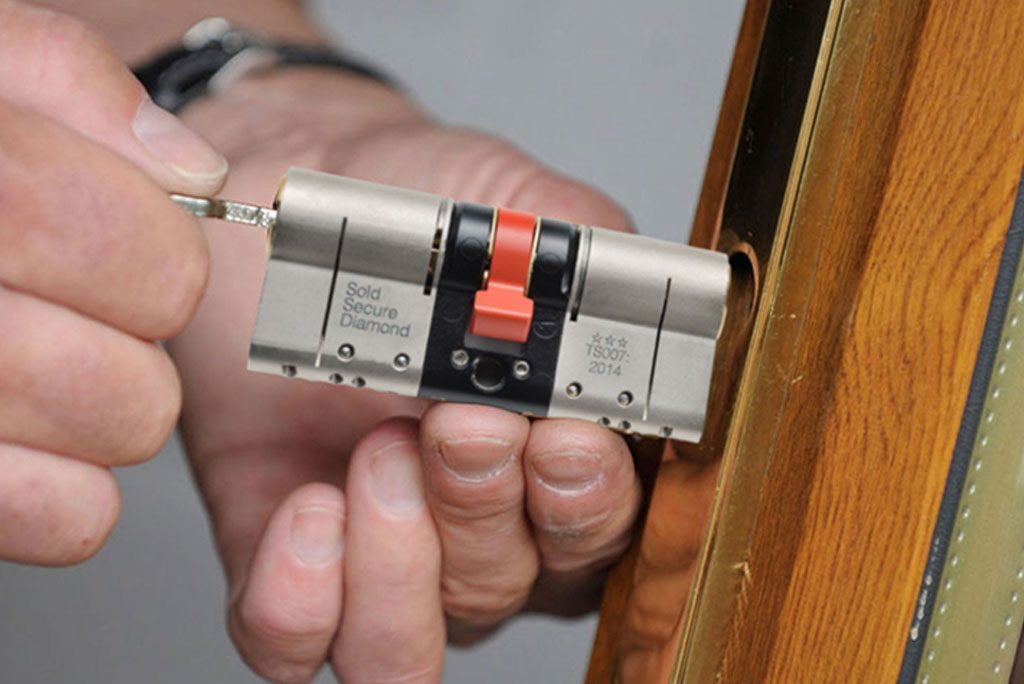 Professional Commercial Locksmith Loughborough